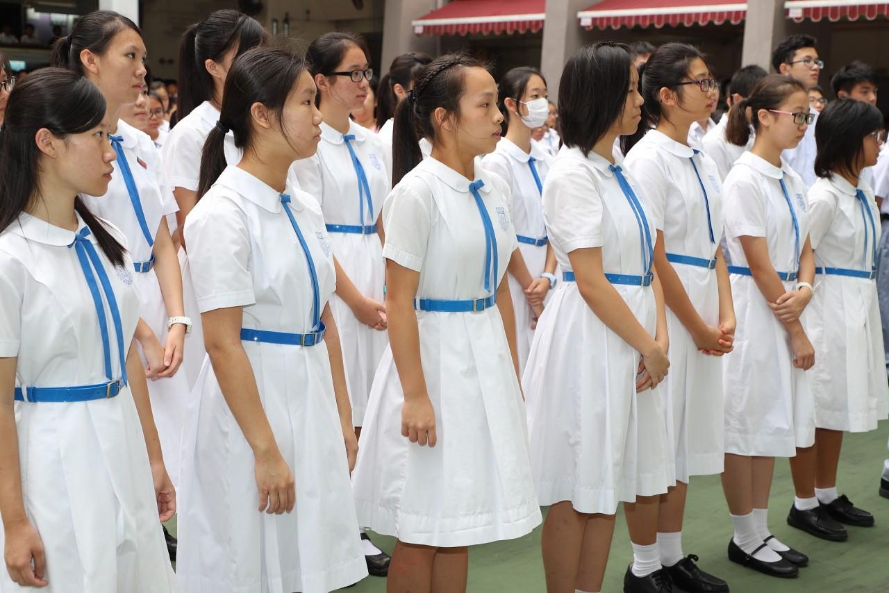 浸信會呂明才中學介紹是一所基督教學校,以英文為主要的教學語言,