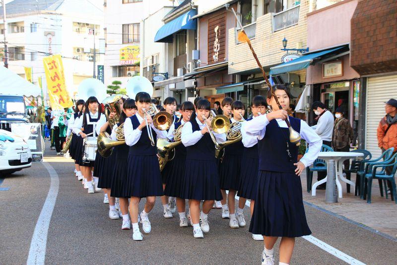 55594 愛媛県立松山商業高等学校...