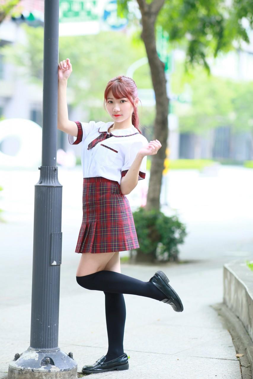 光復高中の制服美少女