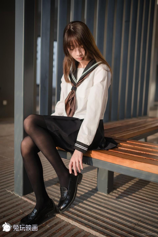 水手服與黑絲