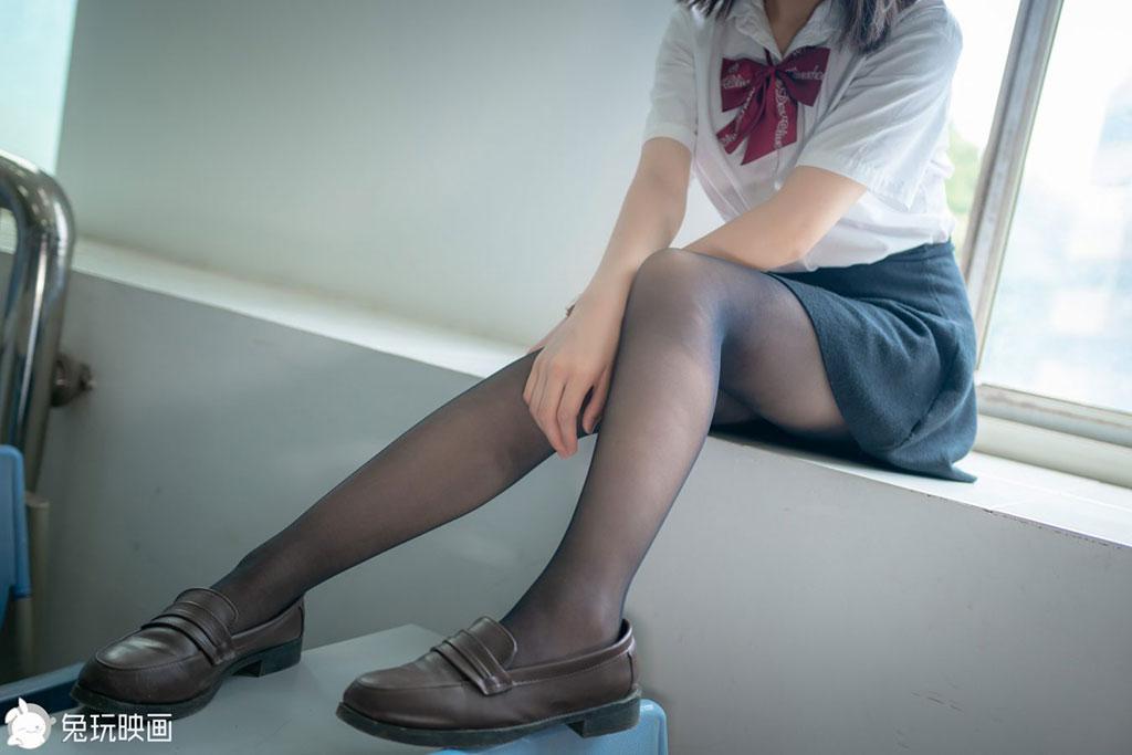 教室裡的少女