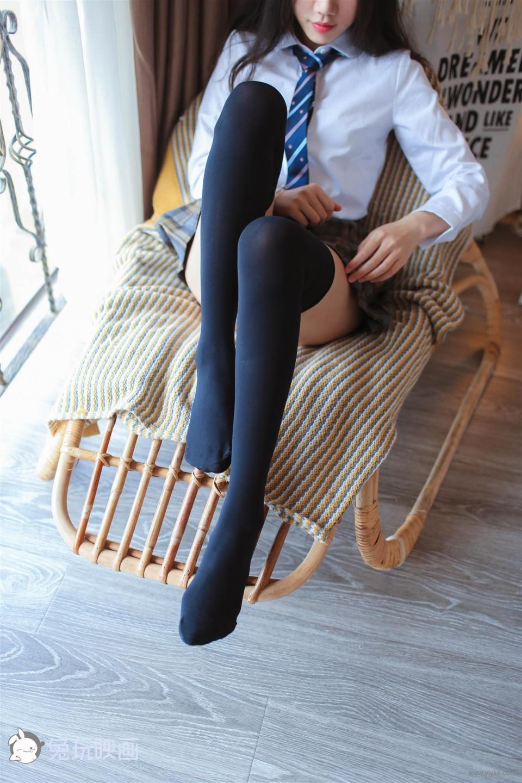 格裙膝上襪