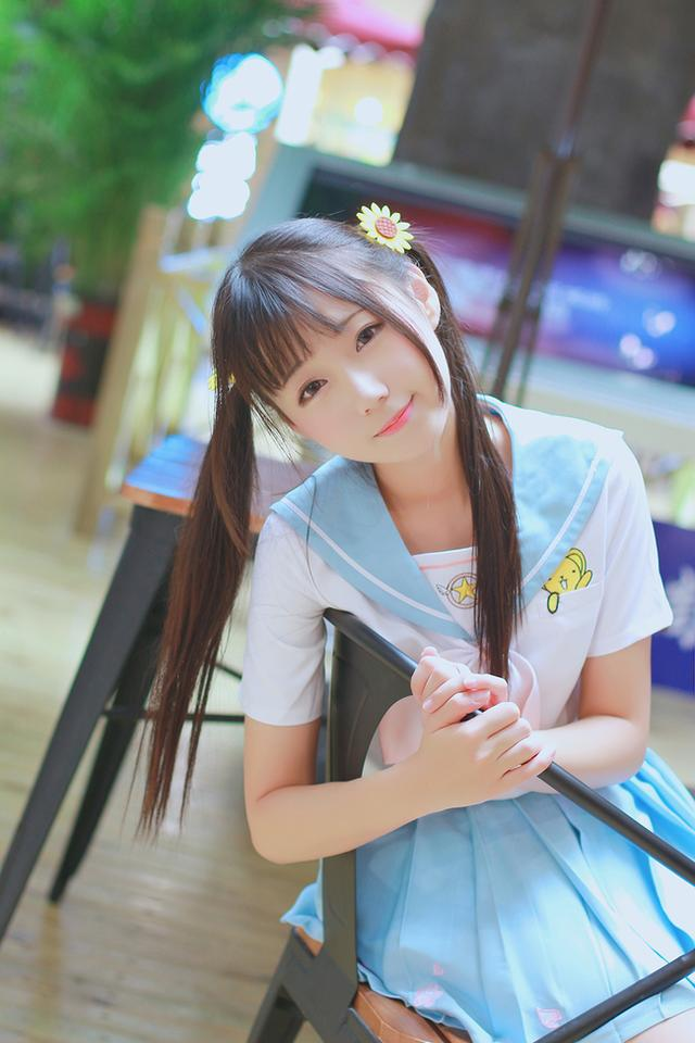 粉藍色水手服