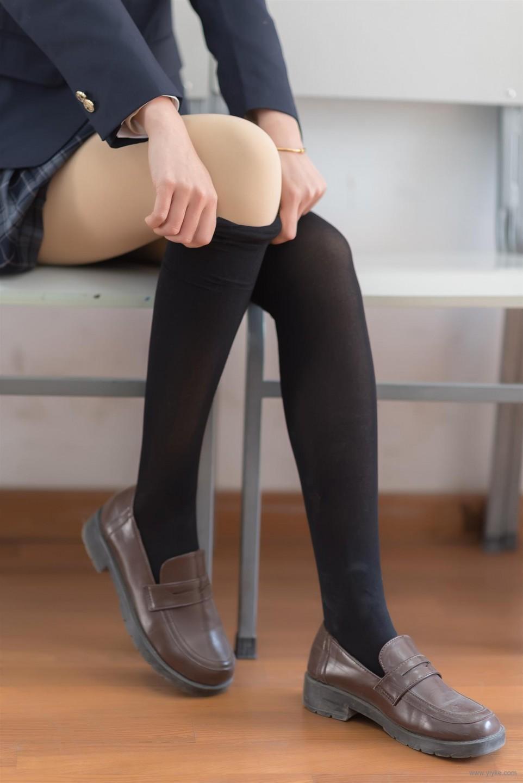 格子裙制服膝上襪
